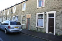 2 bedroom Terraced house in Hunslet Street, Burnley...