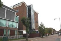 2 bedroom Flat to rent in Park Road