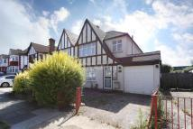 Maisonette to rent in Windermere Avenue...