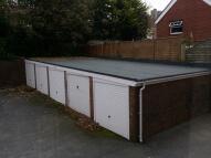 Garage in Upperton Road to rent