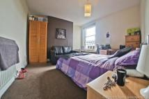 5 bedroom Flat to rent in Golders Green Road...