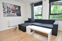 2 bed Flat to rent in 19 Manor Gardens...