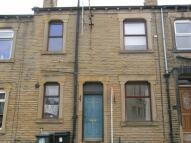 2 bedroom house to rent in Charles Street, Morley...