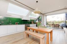 Flat for sale in Donaldson Road...