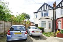 Flat to rent in Astley Avenue...