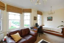 2 bed Flat for sale in Temple Road, Cricklewood...