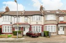 2 bed Flat in Dewsbury Road, Willesden...
