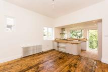 3 bedroom Flat in Olive Road, Cricklewood...