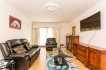 2 bedroom Flat to rent in Limes Court...