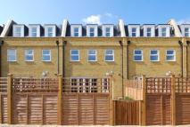 3 bed Mews in Oak Tree Mews, Willesden...