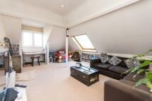 2 bedroom Flat to rent in The Avenue, Queen's Park...