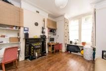 3 bedroom Flat in Lechmere Road, Willesden...