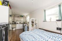 Studio apartment in Salusbury Road...