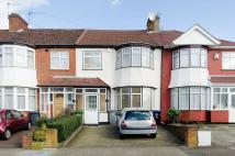 4 bed property in Cairnfield Avenue...