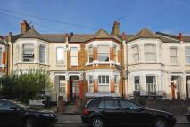 2 bed Flat to rent in Bathurst Gardens...