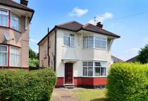3 bedroom house in Hill Close, Dollis Hill...