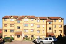 1 bed Flat to rent in Cornmow Drive...