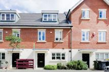 3 bedroom property for sale in Cross Way...