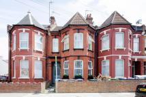 Flat to rent in Linacre Road...