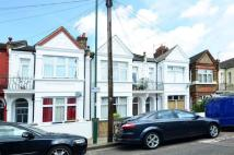 2 bedroom Flat to rent in Kensal Green...