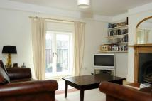 Flat for sale in Harvist Road...