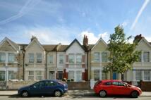 Flat to rent in Oldfield Road, Harlesden...