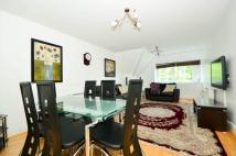 2 bedroom Flat for sale in Chatsworth Court...