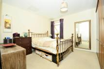 Priory Park Road Flat to rent