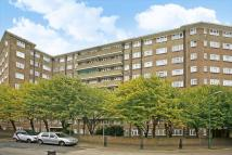 Flat to rent in Ashford Court, Kilburn...