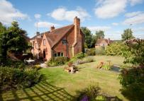 4 bed Detached property in 39 Purley Rise...