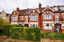 4 bed property in Gleneldon Road...