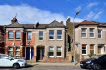 Flat for sale in Leverson Street...