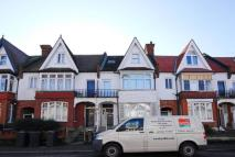 Flat to rent in Broxholm Road...