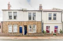 Eardley Road Flat to rent