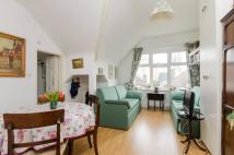 Studio apartment to rent in Streatham Common...