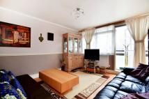 3 bed Flat to rent in Palace Road...
