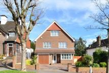 6 bedroom home in Pollards Hill West...