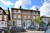 Flat in Ellison Road, Streatham...
