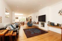 5 bedroom property for sale in Drewstead Road...