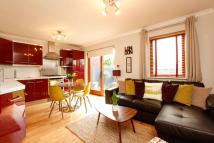 Flat to rent in Streatham Common South...