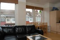 Flat to rent in Greyswood Street...