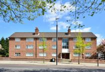 2 bed Flat in Streatham High Road...