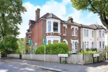 Flat to rent in Kempshott Road...