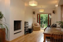 4 bed property in Wellfield Road...