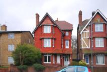 Flat to rent in Thrale Road, Furzedown...