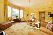Flat for sale in Lewin Road...