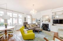 3 bed Flat for sale in Kingsmead Road...