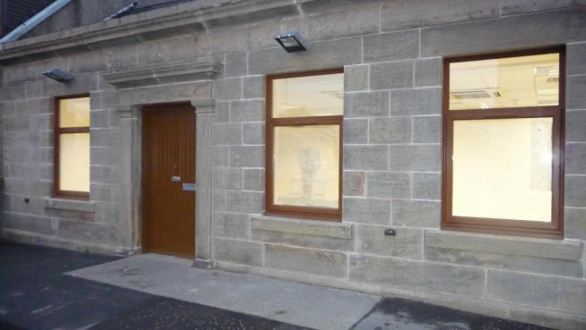 Salon With Room To Rent Lanarkshire