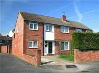 4 bedroom semi detached house in Wallington Road...