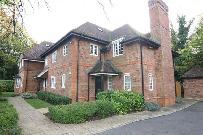 2 Bedroom Apartment To Rent In Heath Lodge 81 Reading Road